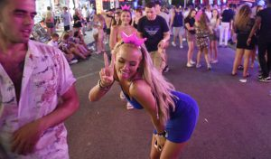 Woam gets here NIE NUMBER IN MAGALUF